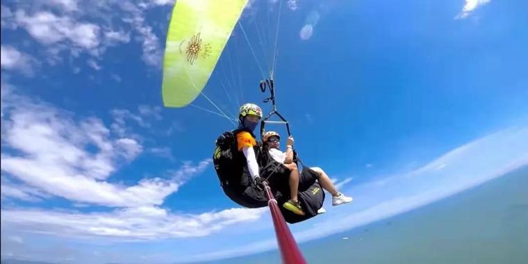 海南旅游 滑伞